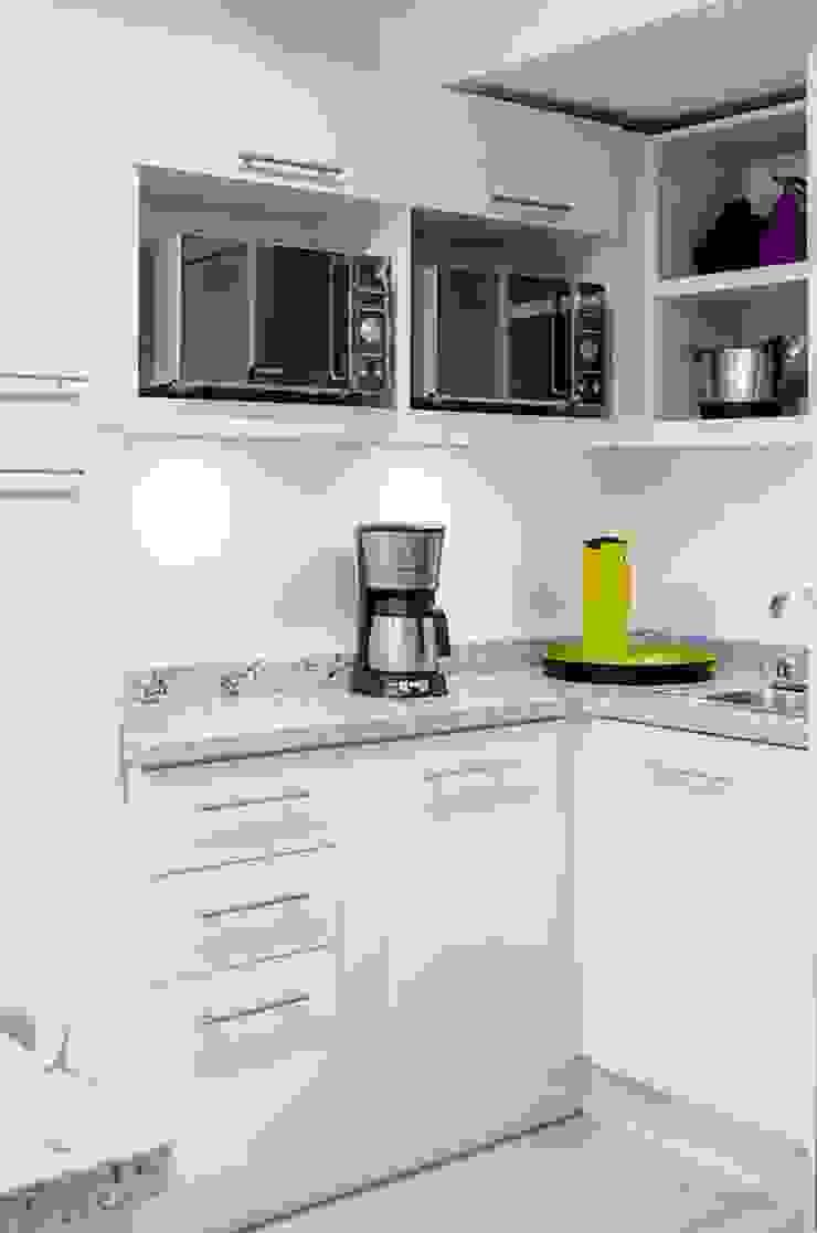 Modern Kitchen by Belhogar Diseños, C.A. Modern