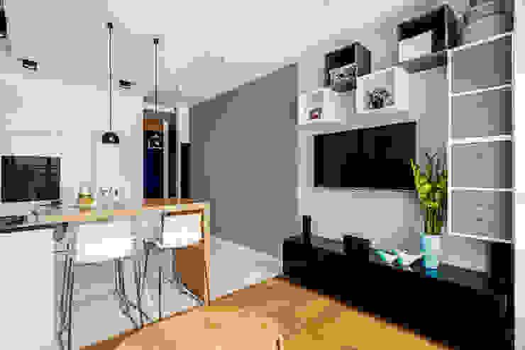 Ruang Keluarga Minimalis Oleh Ayuko Studio Minimalis