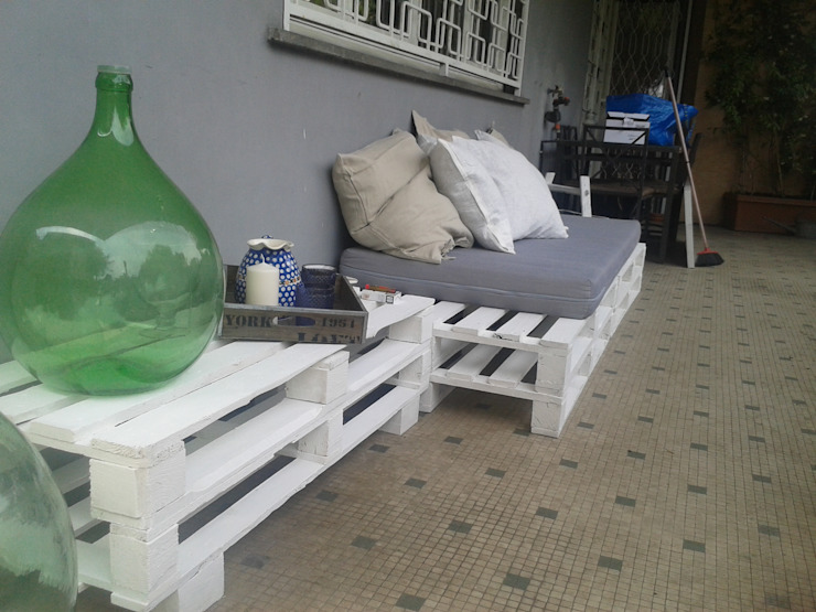 Eclectic style balcony, veranda & terrace by Bazardeco Eclectic