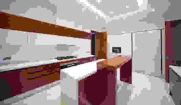 Projecto Hidd Al Saadiyat Cozinhas modernas por MOB Moderno