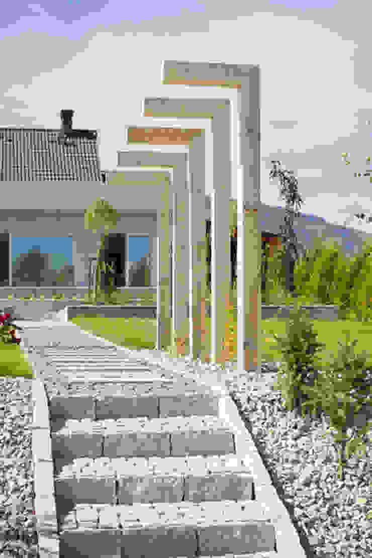 Ogród nowoczesny od Pracownia Projektowa Architektury Krajobrazu Januszówka