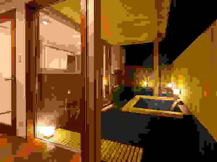 Baños de estilo moderno de 一級建築士事務所 Eee works Moderno