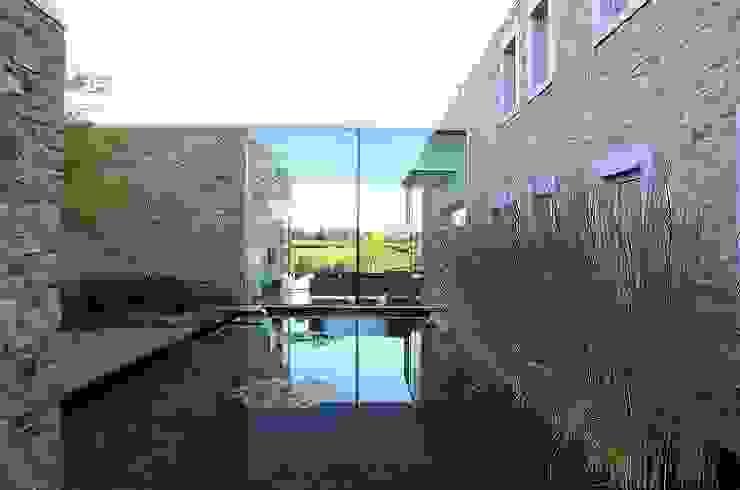 Le Moellon par Luc Spits Architecture Moderne