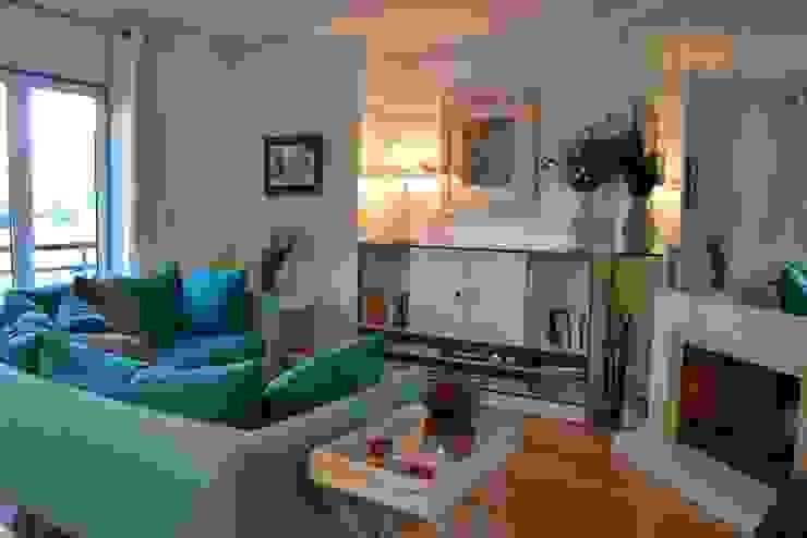 Duplex Lisboa Salas de estar modernas por G.R design Moderno