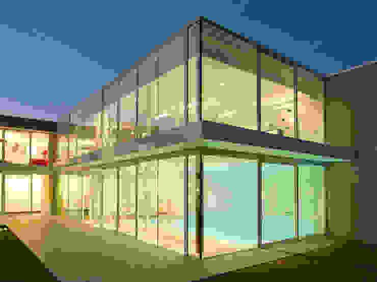 Le Cube Blanc Maisons modernes par Luc Spits Architecture Moderne
