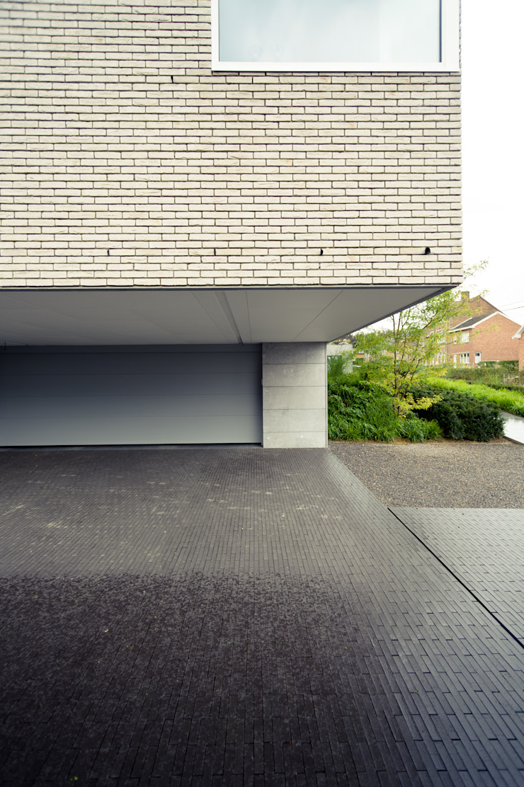 Luc Spits Architecture Modern garage/shed