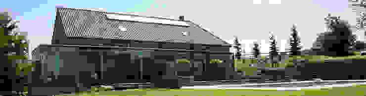 Nowoczesne domy od Luc Spits Architecture Nowoczesny