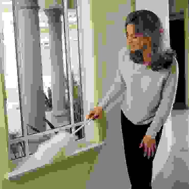 2. Starken Schmutz schonend entfernen:  Fenster von BOOK A TIGER,