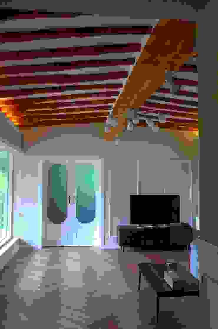 홍천 한옥 리모델링 아시아스타일 거실 by Apple Style 한옥