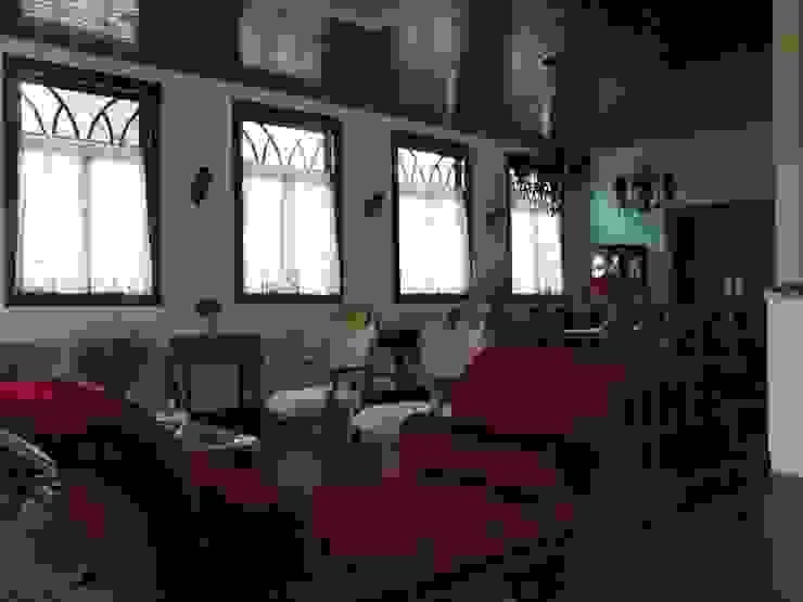 Sala de estar 1 Salas de estar coloniais por BUZZI & SILVA ARQUITETOS ASSOCIADOS Colonial