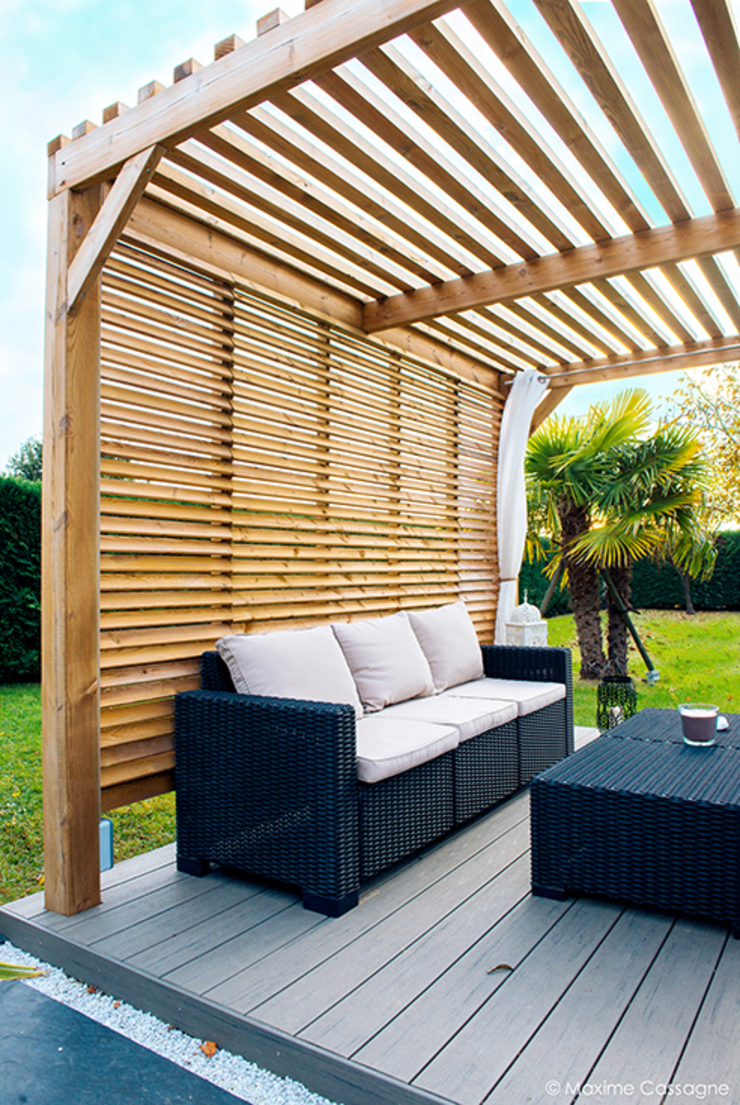 Балкон и терраса в стиле модерн от E/P ESPACE DESIGN - Emilie Peyrille Модерн Дерево Эффект древесины