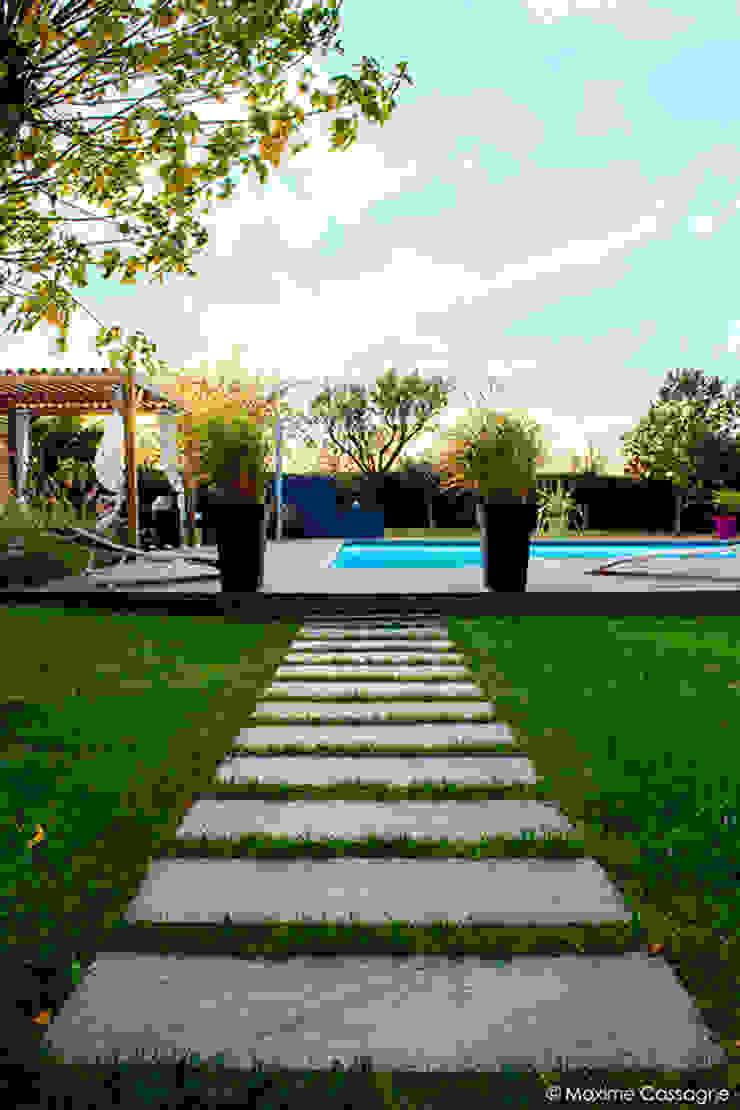 Сад в стиле модерн от E/P ESPACE DESIGN - Emilie Peyrille Модерн