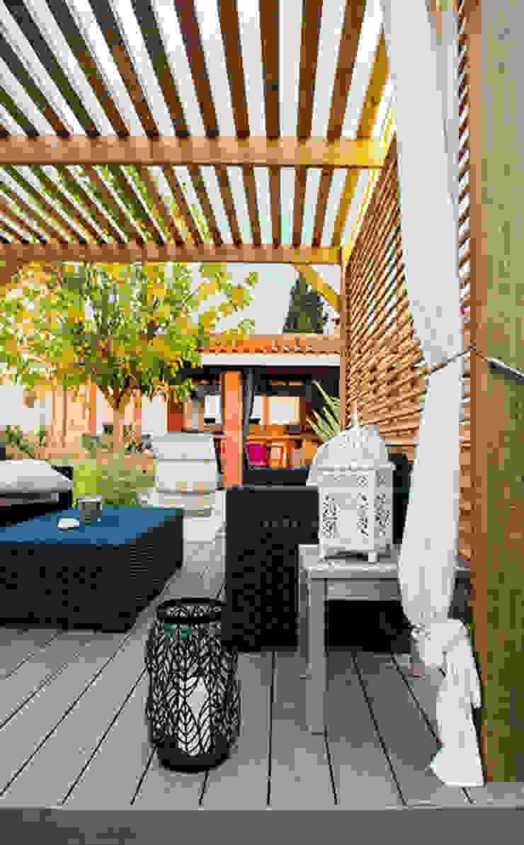 Балкон и терраса в стиле модерн от E/P ESPACE DESIGN - Emilie Peyrille Модерн