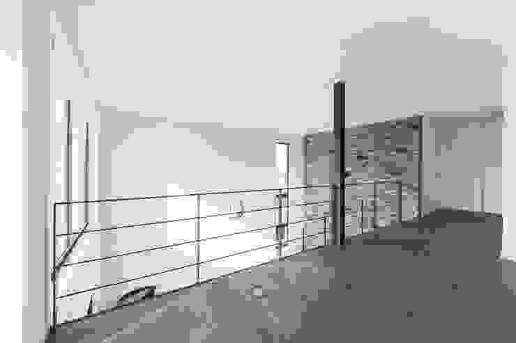 AD+ arquitectura의  서재 & 사무실, 모던 세라믹