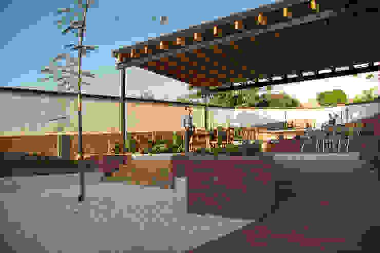 Jardín y techo Jardines minimalistas de Región 4 Arquitectura Minimalista