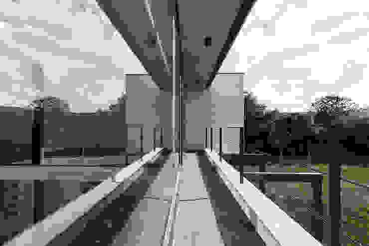 Terrazas de estilo  por AD+ arquitectura, Moderno Cerámico