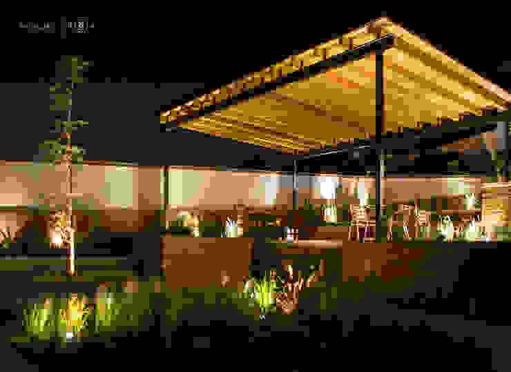 Jardín Ecuestre Jardines minimalistas de Región 4 Arquitectura Minimalista
