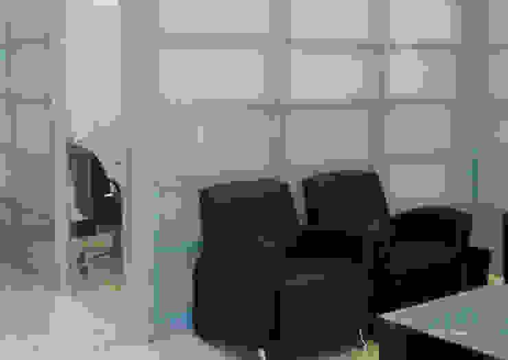 W3070 / Fachadas Interiores Paredes y pisos de estilo moderno de Riviera Moderno Vidrio