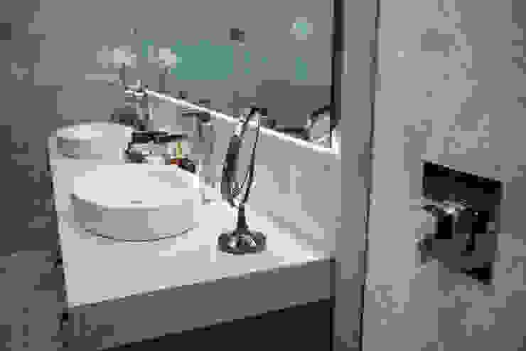 Baño para recámara principal. Baños modernos de Dovela Interiorismo Moderno