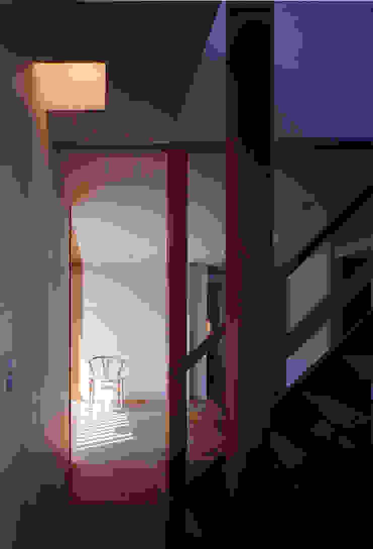 大野中の家1 和風スタイルの 壁&フローリングデザイン の 辻健二郎建築設計事務所 和風