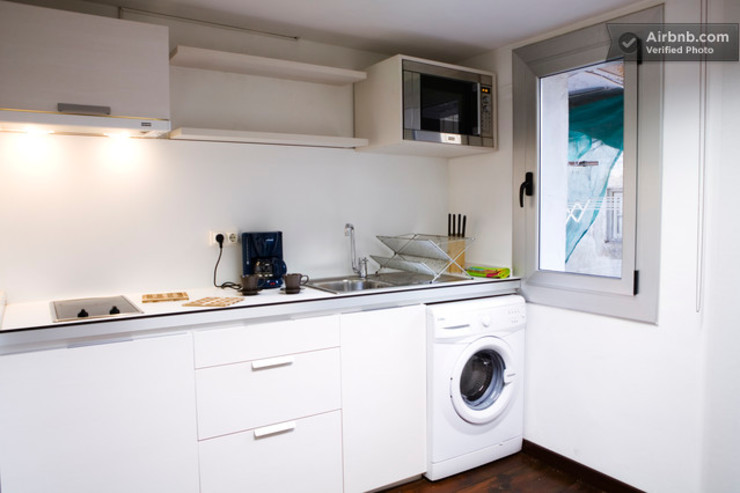 Cocina práctica Upper Design by Fernandez Architecture Firm Colonial style kitchen