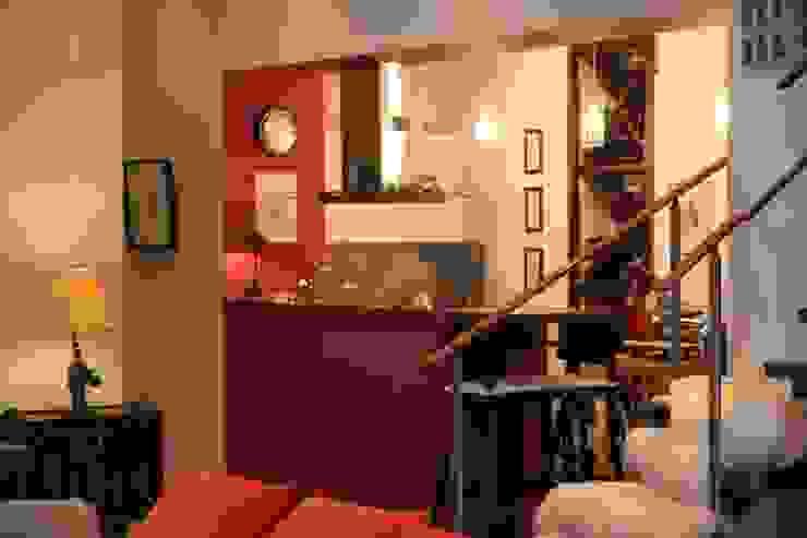 квартира холостяка Кухни в эклектичном стиле от Circus28_interior Эклектичный