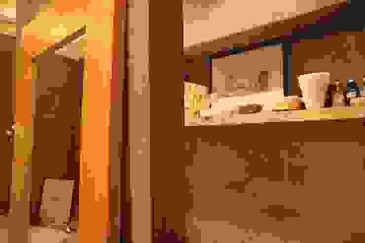 квартира холостяка Спа в эклектичном стиле от Circus28_interior Эклектичный