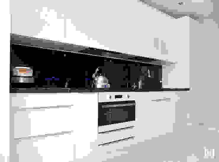 Minimalist kitchen by Hunter design Minimalist Plastic