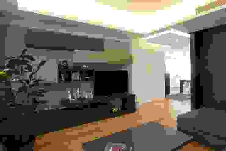 Phòng khách theo Giuseppe Rappa & Angelo M. Castiglione, Hiện đại