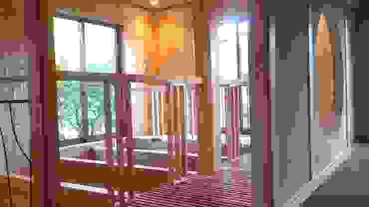 2階吹抜 和風の 玄関&廊下&階段 の 竹内村上ATELIER 和風 木 木目調