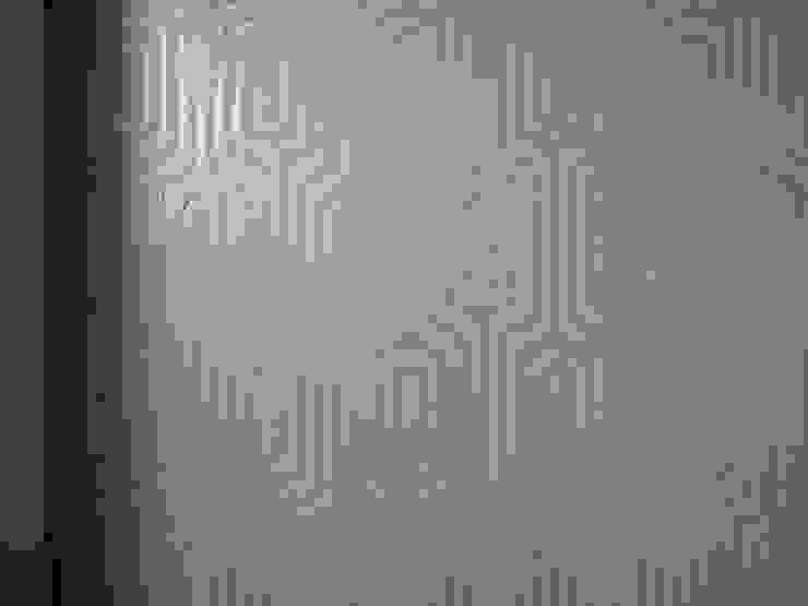 рельефный декор стены геометрическим орнаментом от мастерская22 Эклектичный