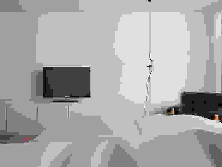 José Tiago Rosa Modern Bedroom