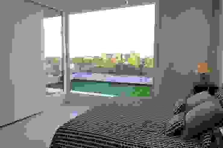 Master bedroom Dormitorios modernos de Ramirez Arquitectura Moderno