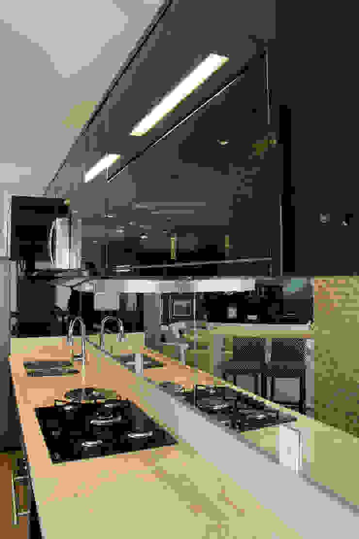 Modern kitchen by marli lima designer de interiores Modern