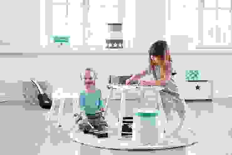 KIDS CONCEPT CHILD STAR WOODEN CHAIR-WHITE Viva Lagoon Ltd 嬰兒/兒童房桌椅 木頭 White