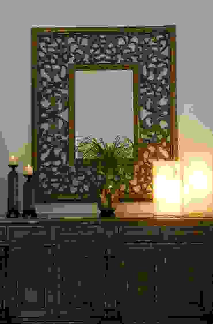 Detalles de decoracion:  de estilo colonial por VICTORIA PLASENCIA INTERIORISMO, Colonial Mármol