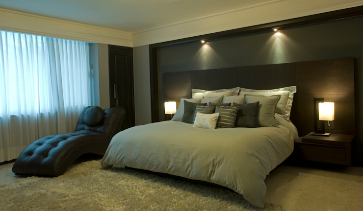 homify Modern style bedroom Wood Grey