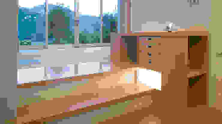 ひとりひとり用収納: 優人舎一級建築士事務所が手掛けた折衷的なです。,オリジナル 合板(ベニヤ板)
