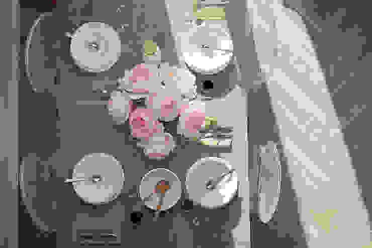 Scandinavian style dining room by Ольга Бондарь Scandinavian
