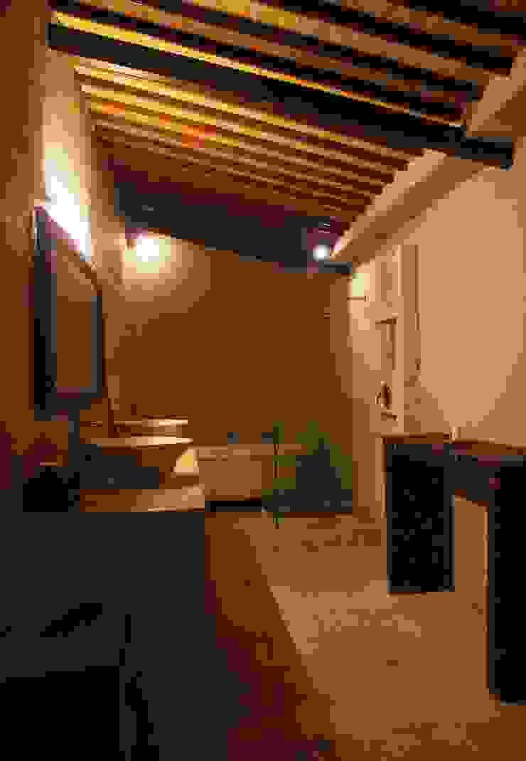 проект реконструкции виллы на о. Бали, 2009 Ванная в азиатском стиле от PK AID Азиатский