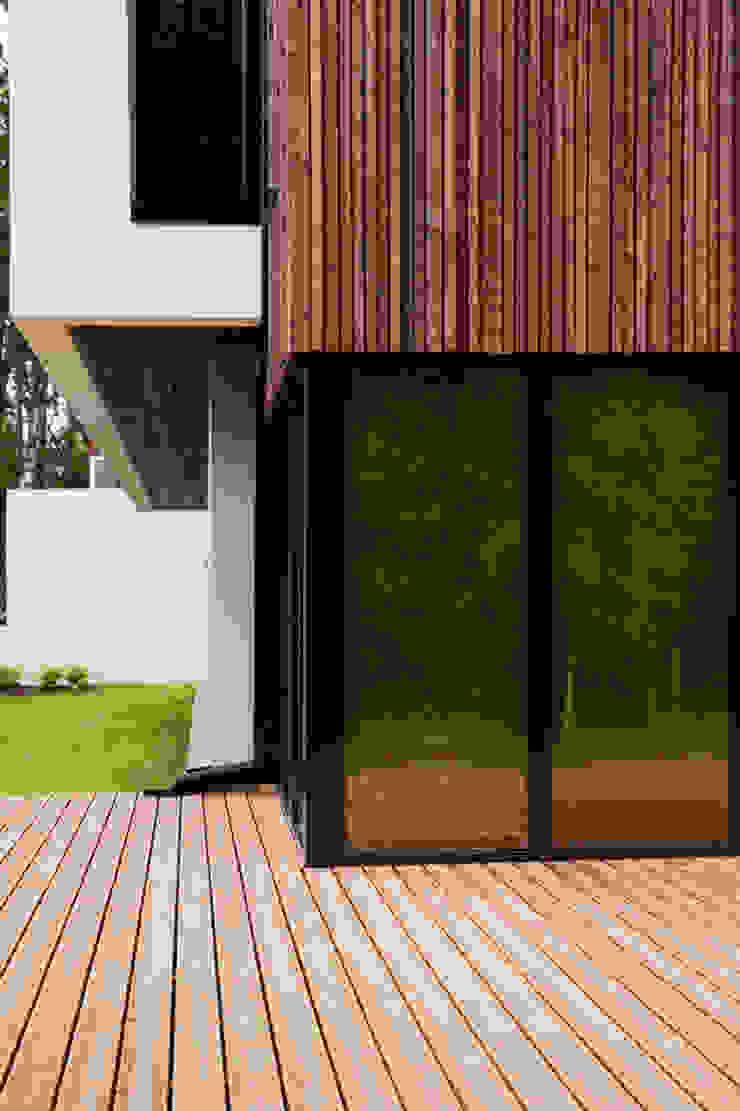 Suburban House Дома в стиле минимализм от Heut Architects Минимализм