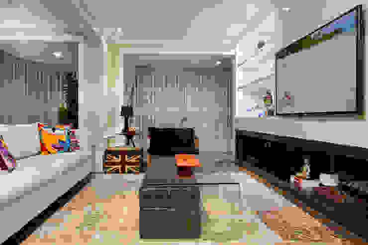 Living Salas de estar modernas por Priscila Koch Arquitetura + Interiores Moderno