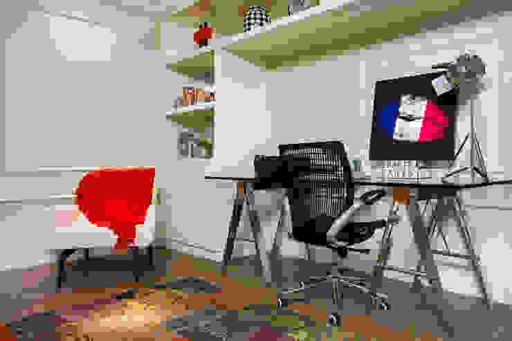 Home Office Escritórios modernos por Priscila Koch Arquitetura + Interiores Moderno