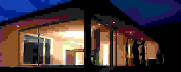 MANUEL CORREIA FERNANDES, ARQUITECTO E ASSOCIADOS Modern windows & doors