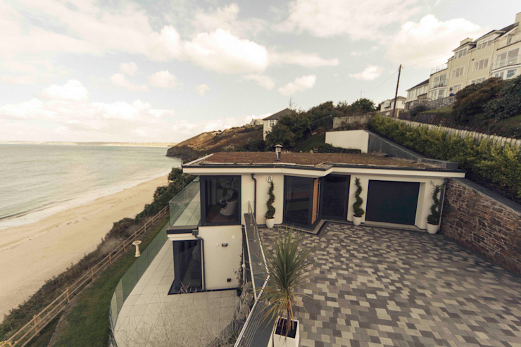 The Beach House, Carbis Bay Modern home by Laurence Associates Modern