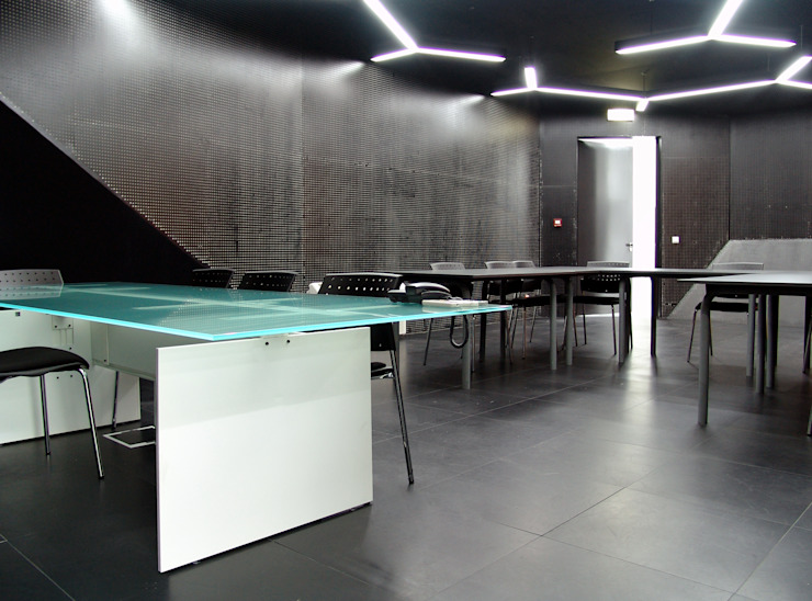 Inovation point - Braga - Portugal por iduna Moderno