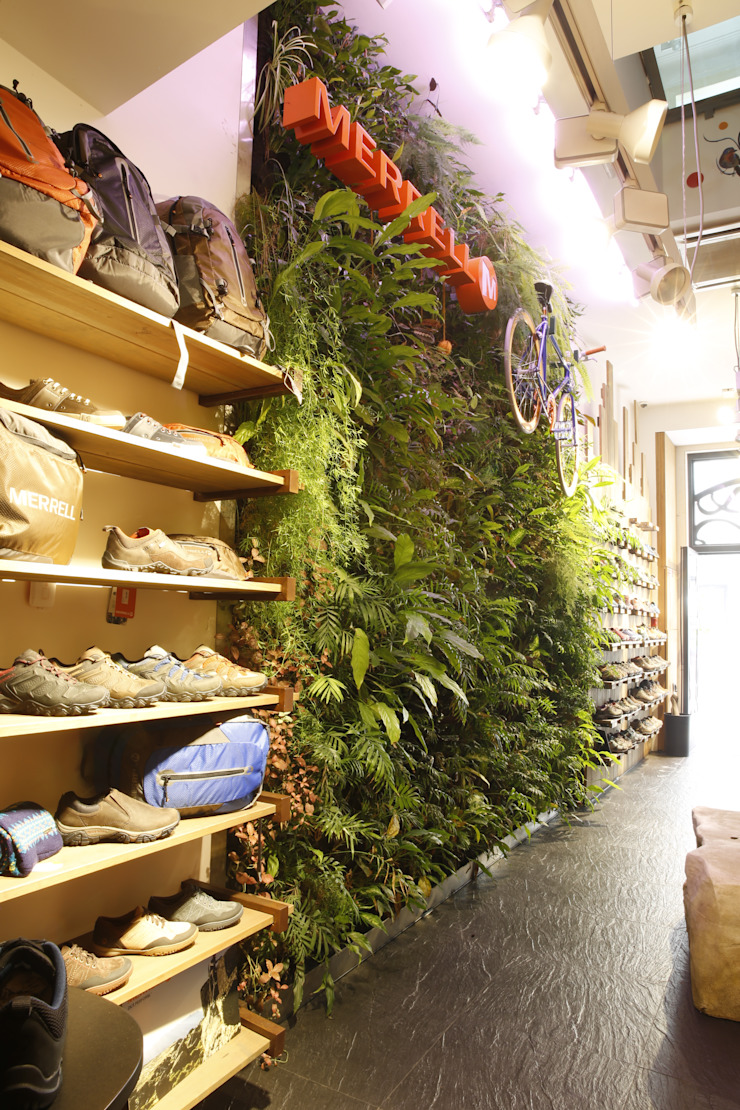 Modern offices & stores by LC Vertical Gardens Modern