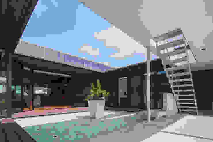 藤井下組の家 オリジナルデザインの テラス の 空間設計室/kukanarchi オリジナル