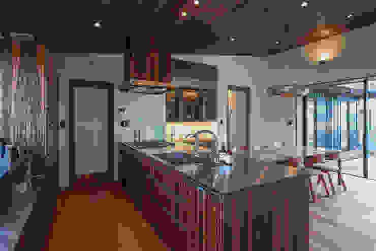 藤井下組の家 オリジナルデザインの キッチン の 空間設計室/kukanarchi オリジナル