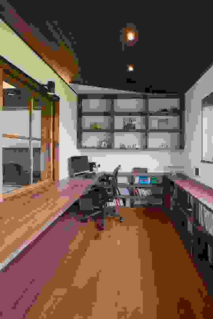 藤井下組の家: 空間設計室/kukanarchiが手掛けた折衷的なです。,オリジナル
